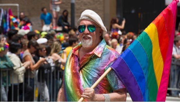 Muere creador de la bandera del orgullo LGBTQ - http://www.esnoticiaveracruz.com/muere-creador-de-la-bandera-del-orgullo-lgbtq/