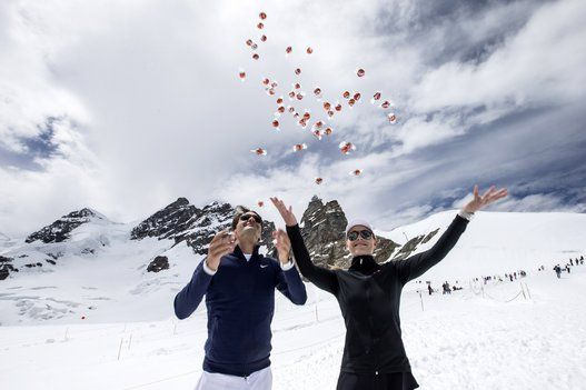 Roger Federer And Lindsey Vonn Play Tennis Atop A Glacier (VIDEO/PHOTOS)