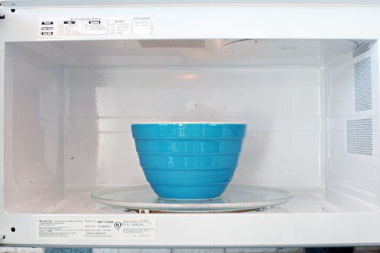 21Monthly Clean Home Challenge: The Microwave