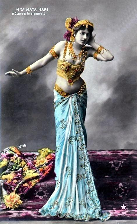 Mata Hari, pseudoniem van Margaretha Geertruida (Griet) Zelle (Leeuwarden, 7 augustus 1876 - Vincennes, 15 oktober 1917), was een Nederlandse exotische danseres. Ze werd wegens spionage door de Fransen veroordeeld wegens hoogverraad en gefusilleerd.