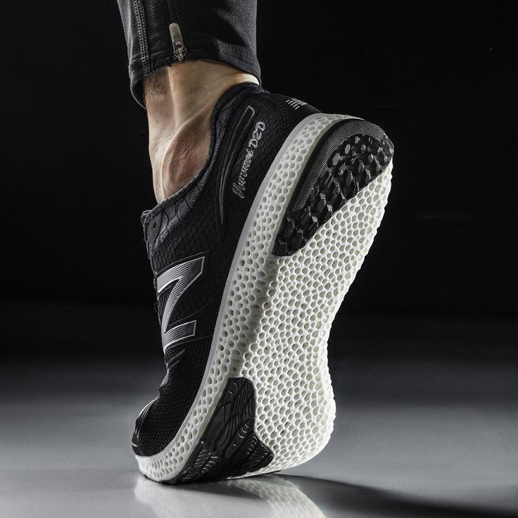 Blanche, noire, violette, la dernière paire de Running de New Balance imprimée en 3D se décline en plusieurs coloris pour le bonheur et le style de tous! http://www.lifestyl3d.com/baskets-courent-apres-linnovation/
