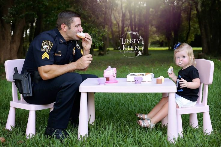 Apopka Police Officer Photo Shoot goes viral