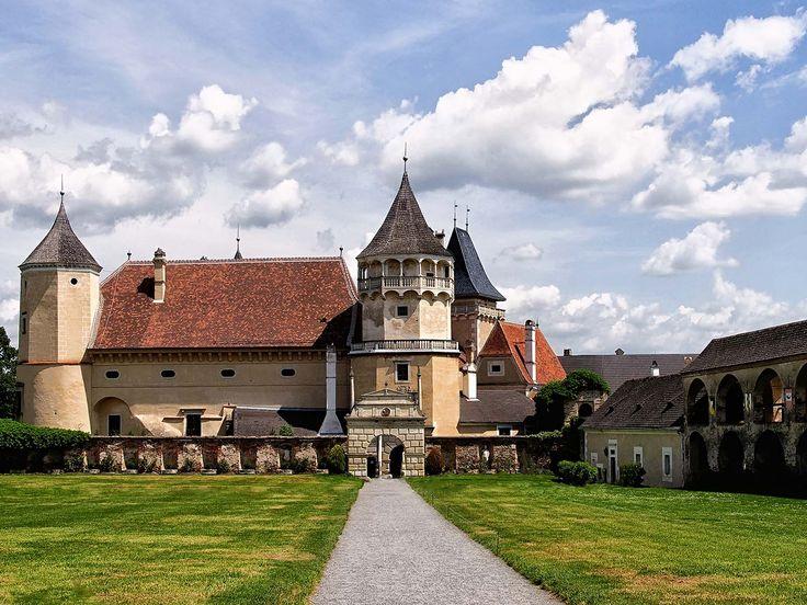 Внутренний двор замка Розенбург
