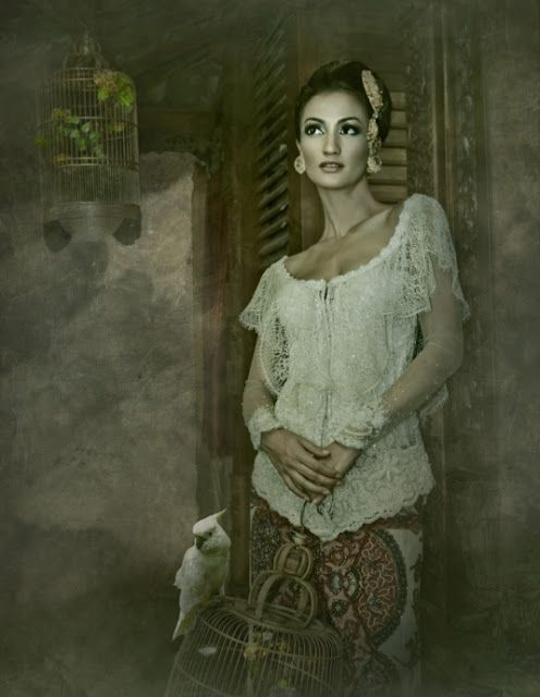 COLLECTION : 19 Fabulous Kebayas by Anne Avantie ~ Glowlicious