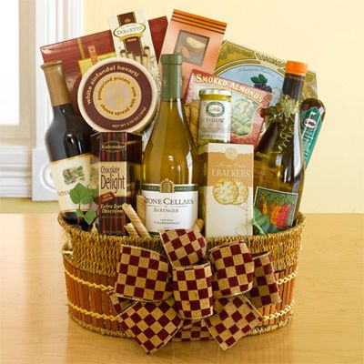 Wine gift basket - an wonderful gift idea for Christmas