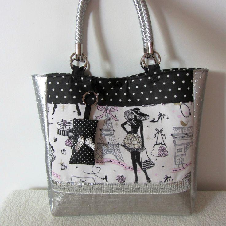 les 40 meilleures images propos de tote bag cabas sac main sur pinterest paris marque. Black Bedroom Furniture Sets. Home Design Ideas