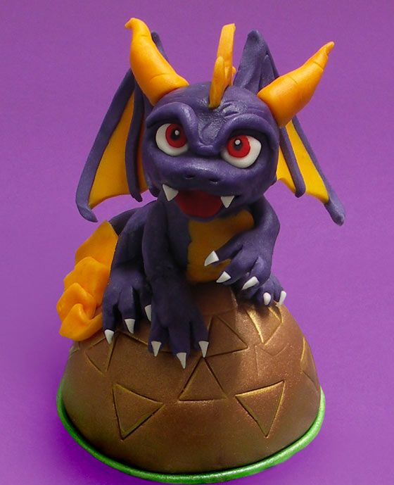 How to make a character of Skylanders with sugar paste: giocaimmaginacrea!by cakemania