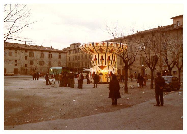 Luigi Ghirri, Scandiano, Reggio Emilia, 1973, C-print, 4 3/4 x 6 3/4 inches; 12 x 17 cm