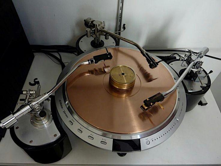 Dual armed turnatble. #turntable #recordplayer http://www.pinterest.com/TheHitman14/the-record-player-%2B/