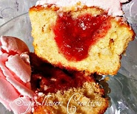 Sugar flowers Creations: Απαλή κρέμα βουτύρου - Cup cakes βανίλιας με φράουλες