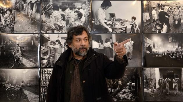 'The Calcutta Diaries' comprises his early work, quite intense and personal, just like his other series which was done between 1972 and 1982.     Lyrical and poetic, it is like a languid essay attempting to show diverse sides of the city. From street shots to the film sets of Satyajit Ray, from Chinese working class migrants to intimate photographs of his grandmother, the photographs are as much about Pablo's exploration of his life as they are about the metropolis.