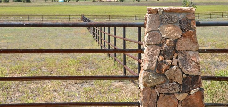 Best 25 Pipe Fence Ideas On Pinterest T Post Fence