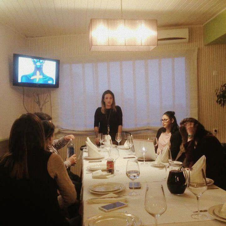 Noche de viernes , cena presentación de nuestro negocio en Vigo .. Estás dispuesto a dar el cambio ?
