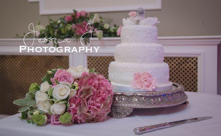 #harrogatewedding #weddingcake #wedding #yorkshirewedding