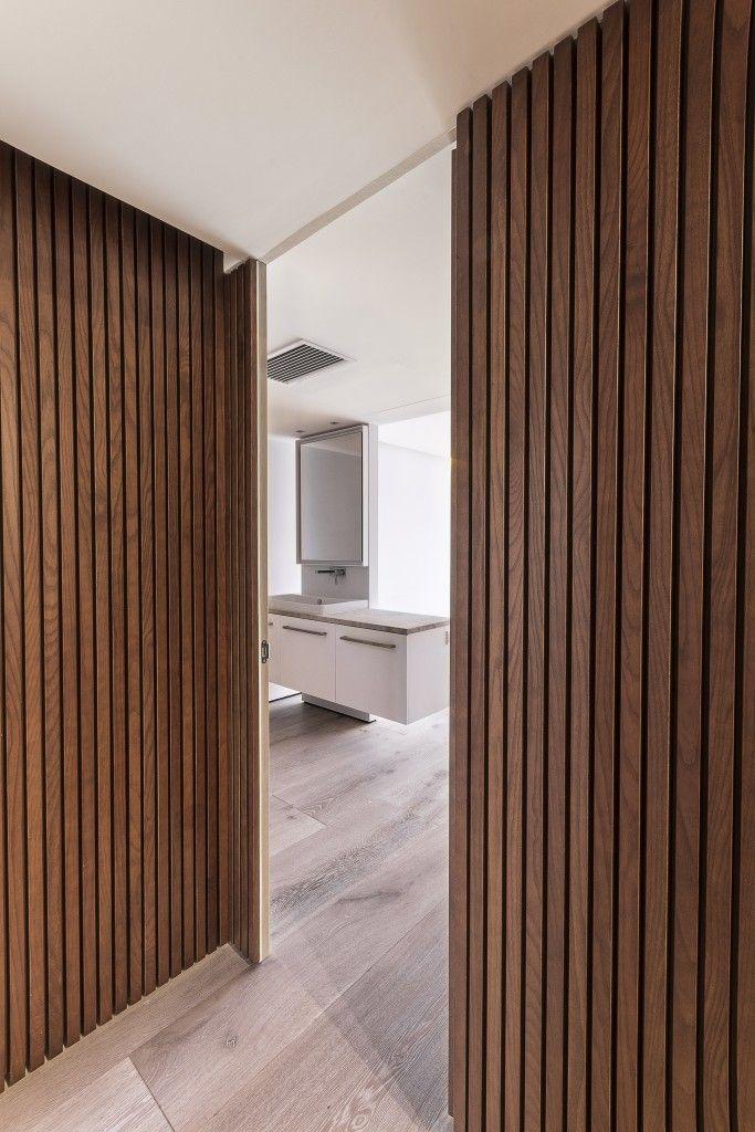 Panelado de madera rastrelado bdgarchitecture en 2019 - Panelado de paredes ...