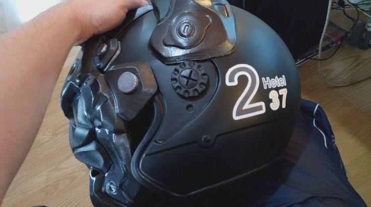 Design some words with my 3D print helmet Art Work for friend Hotel, looks seems good :) 為朋友將飯店宣傳貼於頭盔上,頗有設計感 :)
