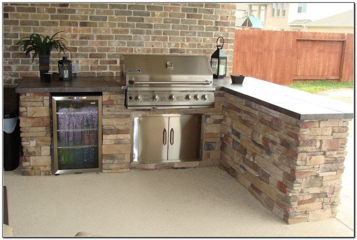 Best 25 built in bbq ideas on pinterest bbq area built for Outdoor kitchen brick design