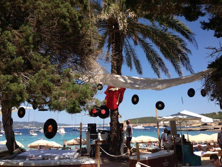☀️ Beachclub CBbC. Cala Bassa. Prachtige plek. Goed eten. Tel. 971 343 817.