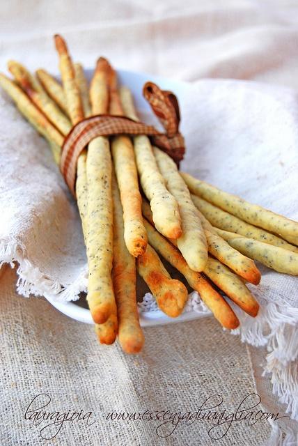 grissini di patate con semi di papavero