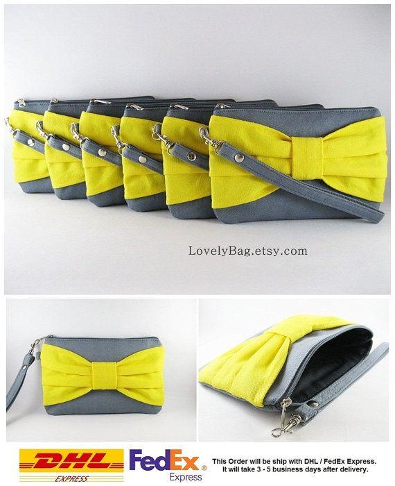 La valeur d'embrayage 8 demoiselles d'honneur, mariage d'embrayage / gris avec arc jaune embrayages - tirette Monogram personnalisée - sur mesure