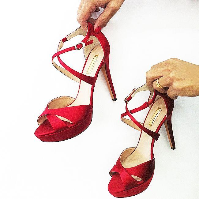 Red Power! #shoestock #desejo #wishlist #shoes #sandal #red - Ref 15.02.0484