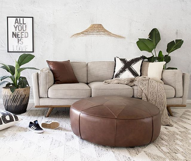 Super talented interior stylist @villastyling created this relaxing living space…