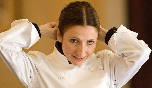 Unique femme en France auréolée de trois étoiles au guide Michelin, Anne-Sophie Pic s'apprête à accueillir 650 invités, mercredi soir à Cannes pour le dîner de gala de l'ouverture du Festival.