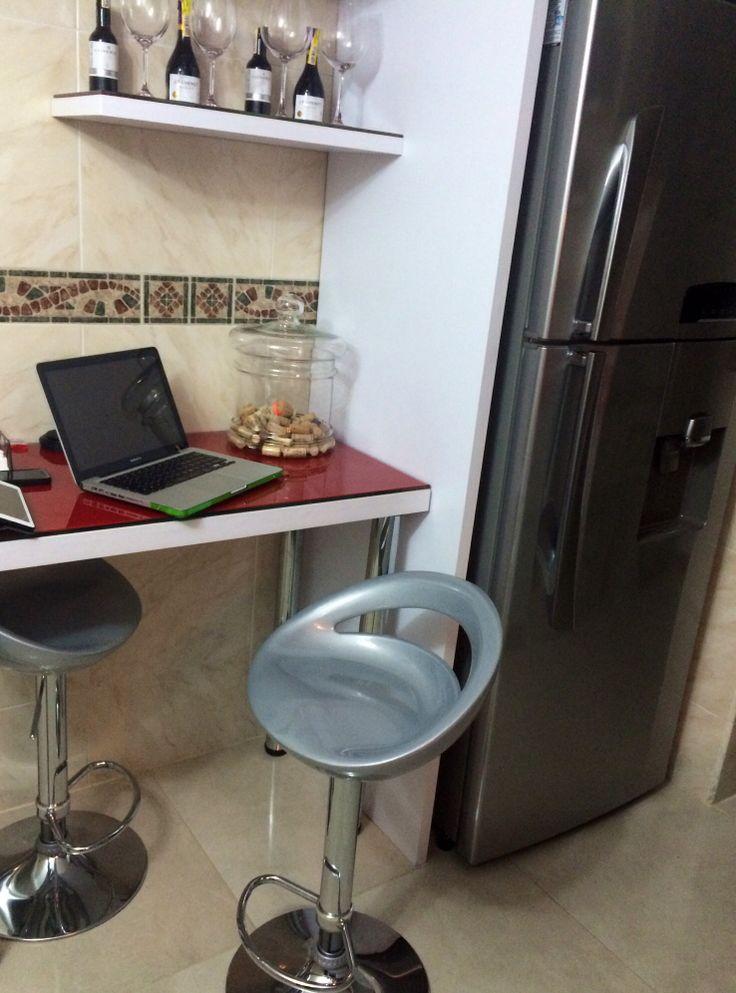 Mesa auxiliar dentro de la cocina