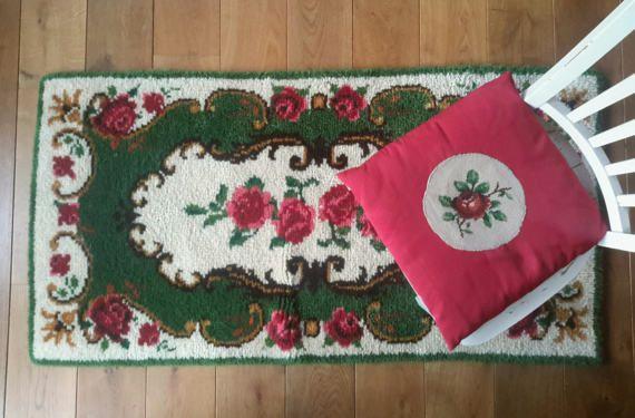 Wollen vloerkleed rozen handgeknoopt kleed door FunkyPastPresents