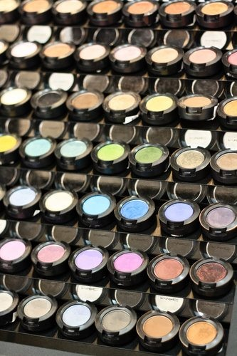 Mac Shadows Display I Want For My Eyeshadows To Put On My