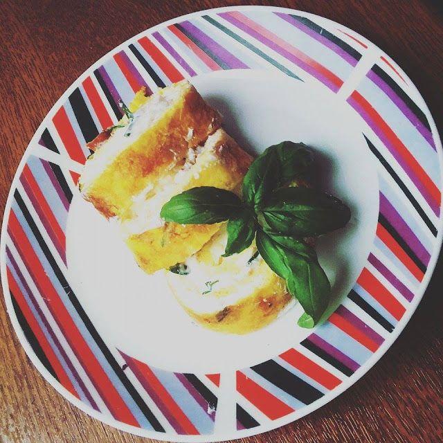Ruměnčino povídání: Bylinkovo-parmazánová roládka z vajíček, plněná kr...