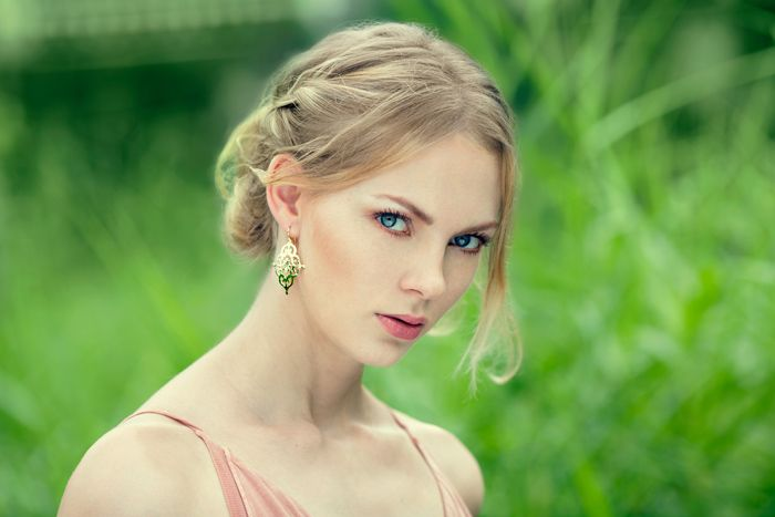 The stunning look of the Gypsy Earrings in 22KT Yellow Gold. Available online at www.murkani.com.au