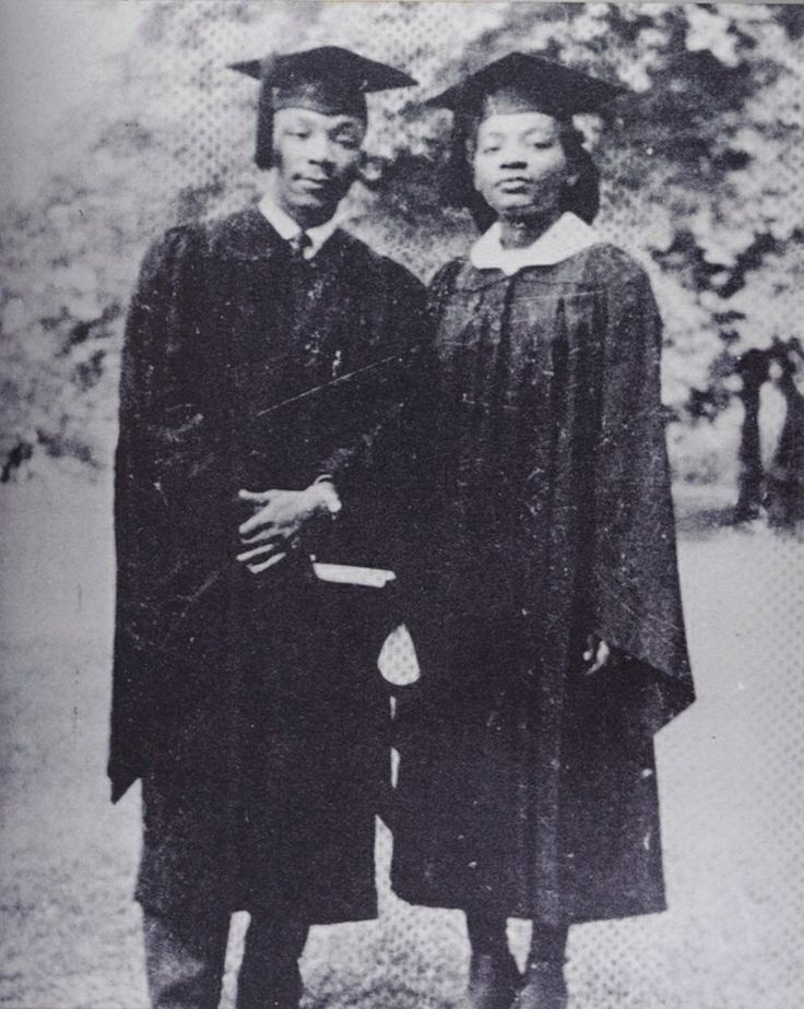 MLK and sister Christine King-Farris from Morehouse College and Spelman College 1948