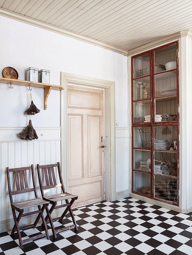 Made In Persbo: mars 2014 The unexpected: a pale peachy-pink door