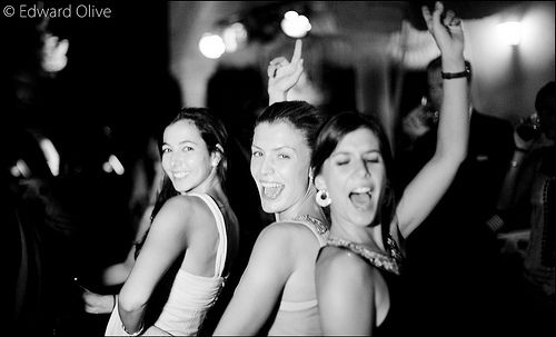 Ladies in wedding party - Edward Olive wedding photographer for upscale brides - fotógrafo para bodas de alto standing