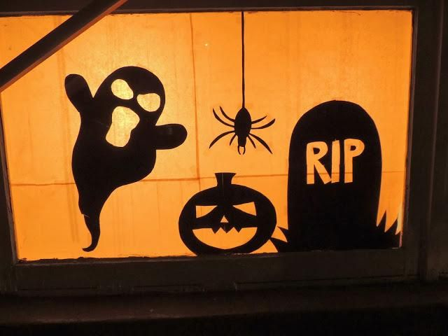 DIY Halloween : DIY-Halloween Window Silhouettes : DIY Halloween Decor