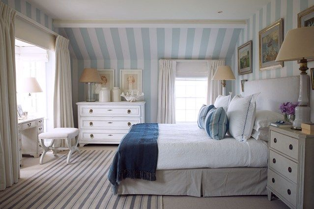Designer Paolo Moschino chose a nautical colour scheme of blue and white for this fisherman's cottage in Cornwall.