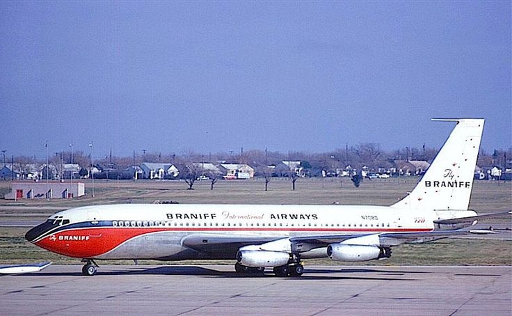Braniff International Boeing 720-027 N7080 is seen taxiing at Dallas-Love Field, circa September 1966. (Photo: Mel Lawrence, Copyright: Braniff Flying Colors Collection)
