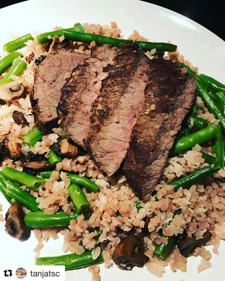 Hvad skal du have til aftensmad i aften? At spise sundt, behøver ikke at være kedeligt! 👊  På billedet, Mongolsk oksekød med grønne bønner, champignon og brune ris fra vores ambassadør, @tanjatsc 💪  Bestil i dag på www.fitnessboksen.dk  #fitnessboksen #mealprep #sunde #måltider #leveret #fitness #mad #fitfamdk #træning #ambassadør #oksekød #spisdigsund