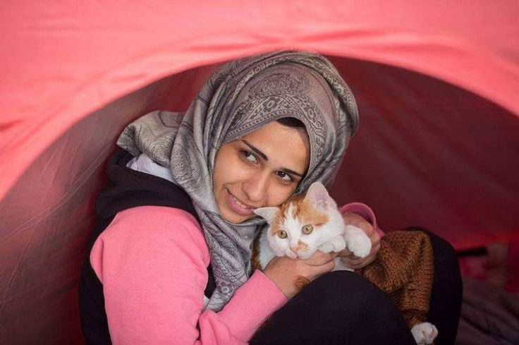 A Syrian refugee with her cat Tabosh #Cats #Syrian_refugees