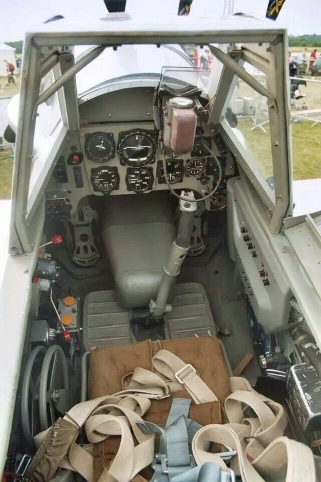 Bf-109G-10 cockpit simpel and clean