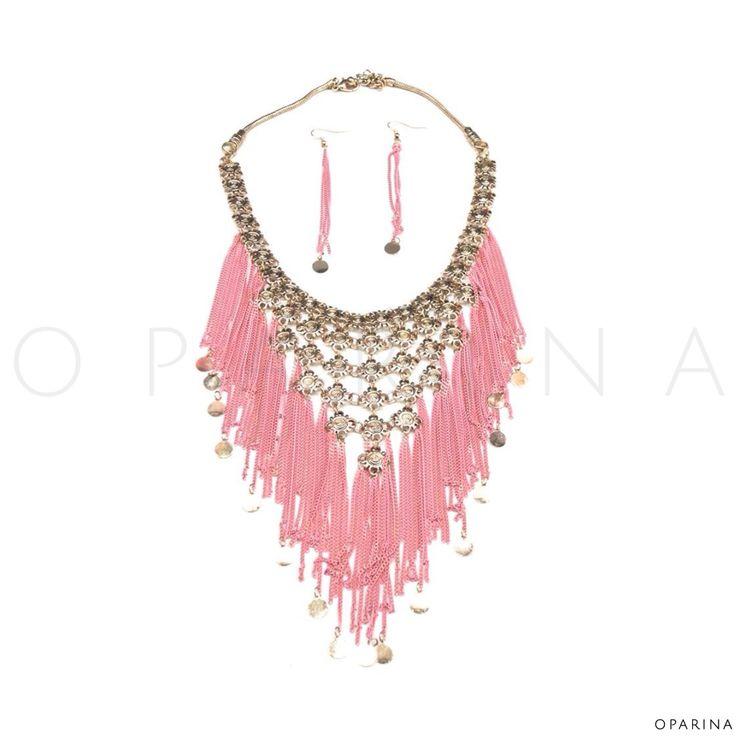 Collar Boho de Cadenas Rosadas. #oparina #boho #statement #necklace #gypsy  #madewithstudio