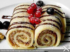 Palatschinken mit feiner Walnussfüllung, ein schmackhaftes Rezept aus der Kategorie Dessert. Bewertungen: 23. Durchschnitt: Ø 4,3.
