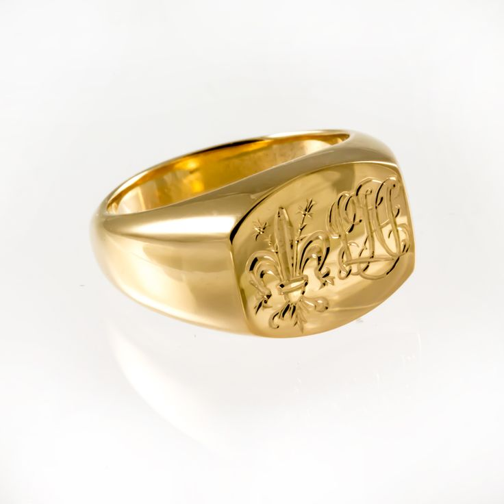 Yellow gold signet ring.