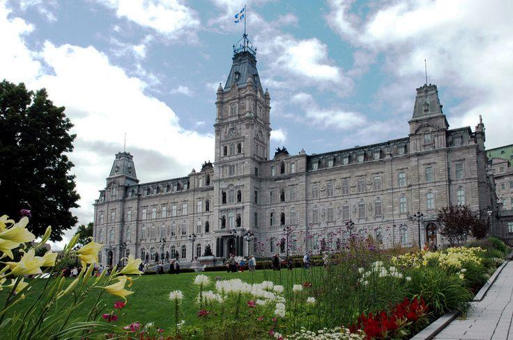 Enjoy an informative narrated bus tour of Quebec City
