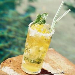 How to Make the Perfect Mint Julep: Summer Dresses, A Classic, Theme Parties, Summer Beverage, Mintjulep, Cocktails, Drinks, Kentucky Derby, Mint Julep Recipe