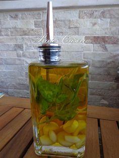 Prato Caseiro: Azeite aromatizado com alhos e manjericão