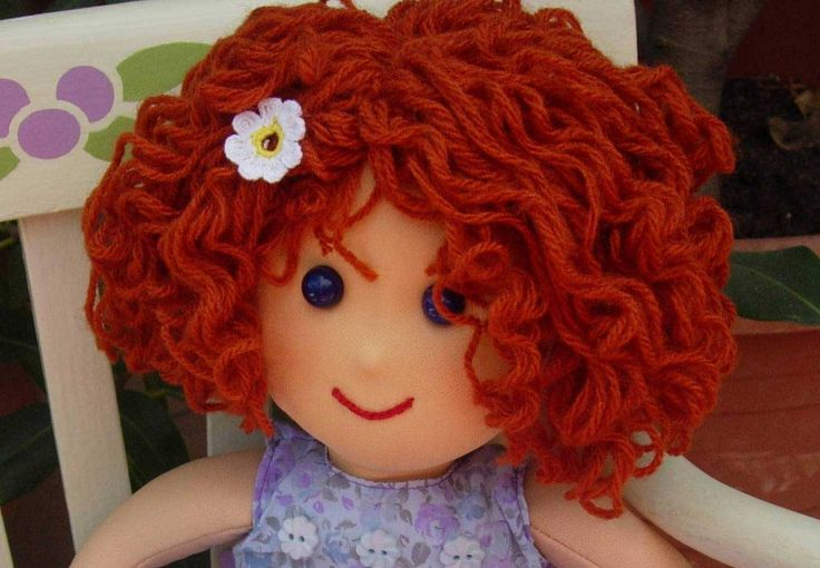 DOLLS: CURLY HAIR