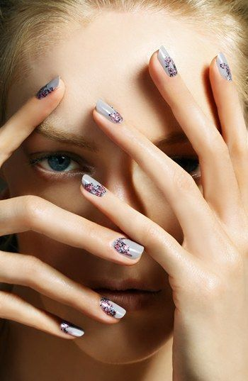 Grey + glitter nails