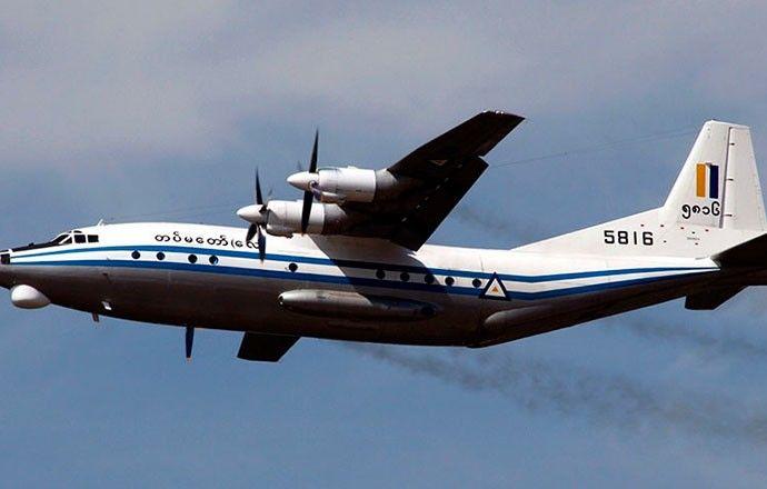 <p>* La prensa local reporta la caída en el mar de Andamán de una aeronave militar con 104 personas a bordo; las autoridades ya han localizado